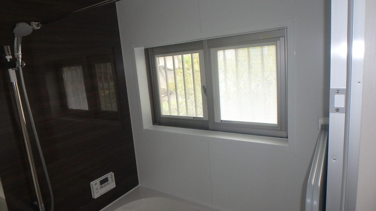 ブラインド内蔵型ペアガラス